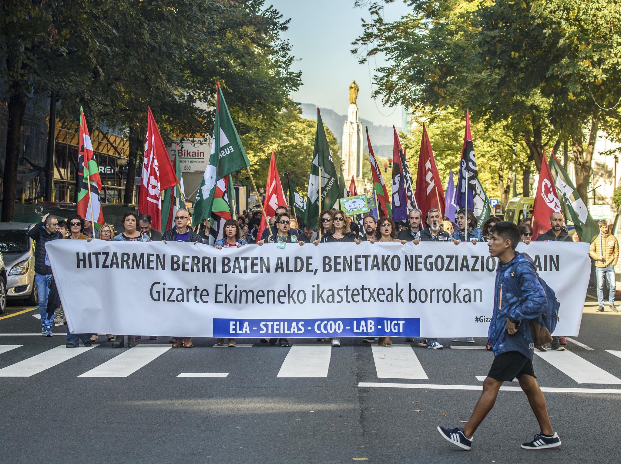 Manifestación de sindicatos de la enseñanza concertada en Bilbao.
