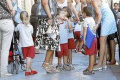 Varios niños de Infantil, en su primer día de colegio.