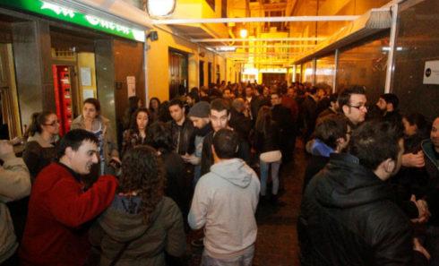 Varias personas, en la zona de las Tascas de Castellón.
