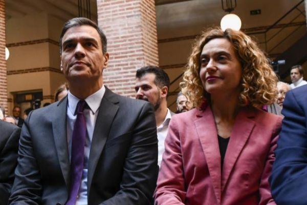 El presidente del Gobierno, Pero Sánchez, y la ministra de Política Territorial y Función Pública, Meritxell Batet.
