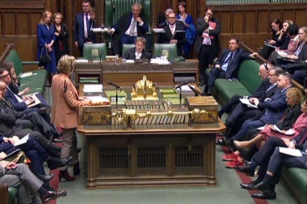 El Parlamento británico discutiendo sobre el acuerdo del Brexit.