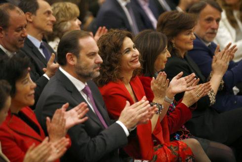 El ministro valenciano José Luis Ábalos, junto a la titular de Hacienda, María Jesús Montero y el resto del Ejecutivo de Pedro Sánchez.