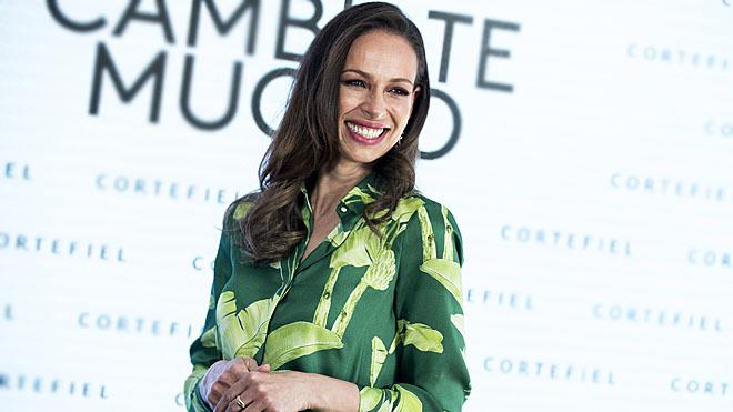 Eva González durante la presentación de la nueva colección de Cortefiel, 'Cámbiate Mucho'.