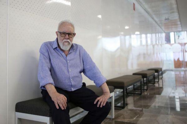 El escritor y directo de cine, Gonzalo Suárez.
