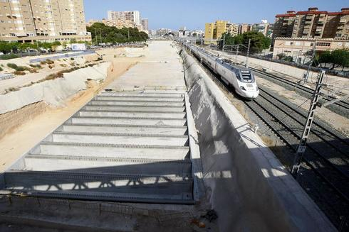Obras de soterramiento de las vías del tren en Alicante