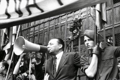 Blas Piñar con Carlos García Juliá, responsable de la matanza de Atocha, en 1977.