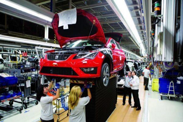 Línea de montaje del Seat León en la factoría de Martorell.