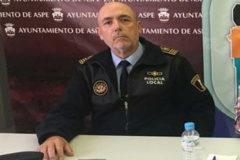 El jefe de Policía Local de Aspe, Francisco Eulogio Serna, en una rueda de prensa del Ayuntamiento.