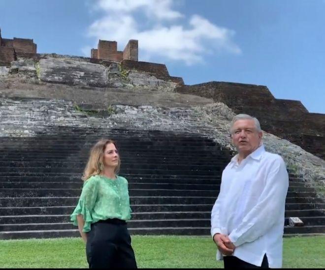 López Obrador y su esposa en una imagen de archivo