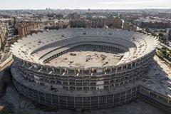 Estructura de hormigón del nuevo Mestalla en la avenida de las Cortes.
