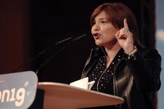 La presidenta del PPCV, Isabel Bonig, durante su discurso en el acto electoral organizado por su partido.