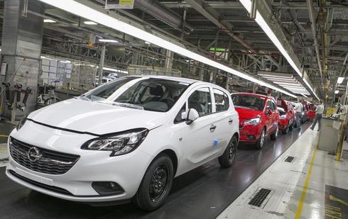 Línea de fabricación de la anterior generación del Opel Corsa.