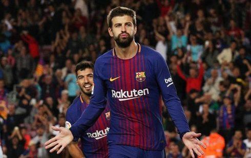 Piqué festeja un gol al Espanyol en el Camp Nou en septiembre de 2017.