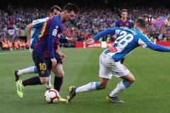Messi adelanta al Barça de falta directa