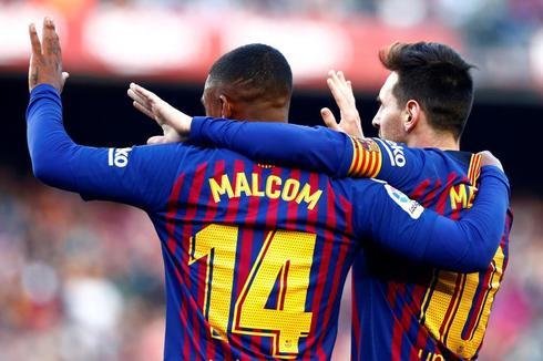 Malcom y Messi celebran el segundo gol ante el Espanyol.