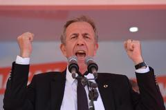 Un abogado para romper la baraja de Erdogan en Ankara