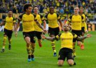 Alcácer festeja el primer gol de la tarde ante el Wolfsburgo.