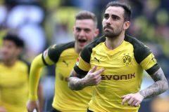 Los goles de Paco Alcácer descabalgan al Bayern del liderato