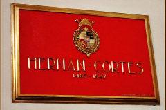 Desde 1947 esta placa señala el lugar donde reposan los restos de Cortés en la iglesia de Jesús Nazareno. Edgar Blancas