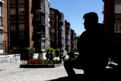 Alberto (nombre ficticio) en una zona de Puente de Vallecas donde presenció un tiroteo.
