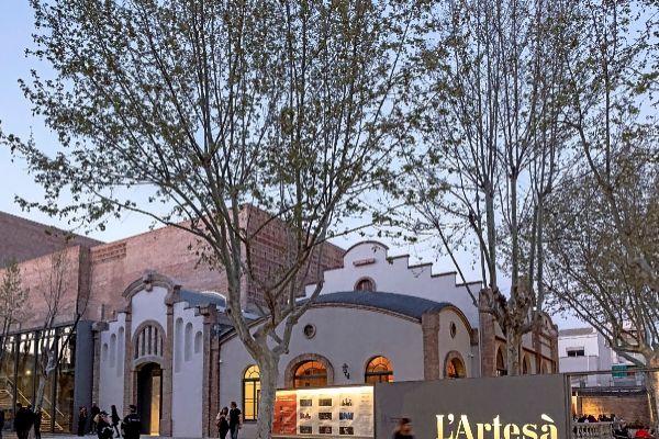 El reformado teatro El Artesà, en El Prat de Llobregat, fue...
