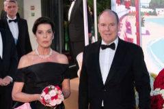 El baile de la rosa se convierte en un homenaje a Karl Lagerfeld