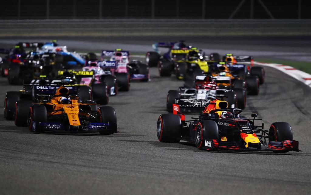 Verstappen, por delante de Sainz en Sakhir.
