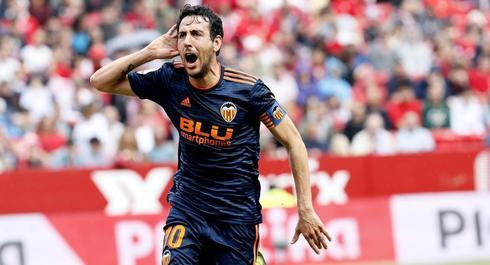 Parejo celebra el tanto del Valencia, en el Pizjuán.