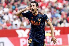 El Valencia acaba con el efecto Caparrós y se acerca a la Champions