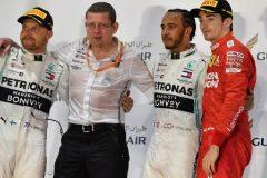 El doble fiasco de Ferrari deja el triunfo en bandeja a Hamilton