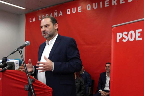 José Luis Ábalos, durante un mitin de precampaña en Ceuta.