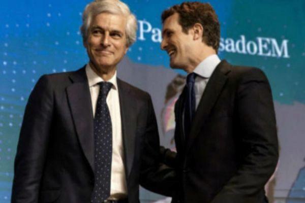Adoflo Suárez Illana y Pablo Casado.