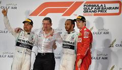 El doble fiasco de Ferrari deja el triunfo en bandeja a Hamilton en Sakhir