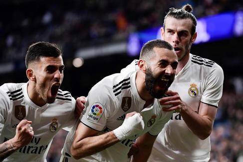 Benzema saca de apuros al Real Madrid de los Zidanes