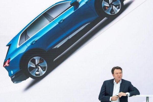 """""""El coche eléctrico no es la única tecnología que contemplamos"""""""