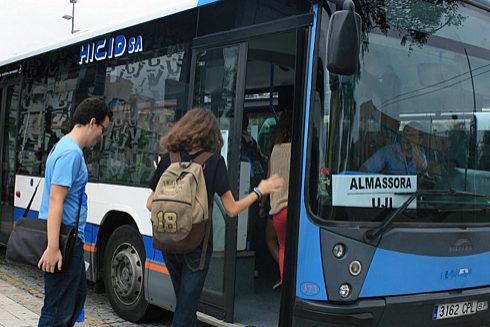 Autobús que une Almassora y la UJI.