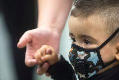 El niño Darek nació con una inmunodeficiencia combinada grave
