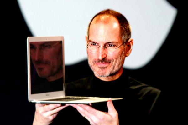 """""""Lisa, hueles como un retrete"""", la hija de Steve Jobs saca a la luz su lado oscuro"""