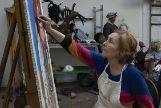 La artista portuguesa en su taller de Londres.