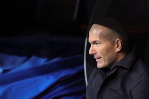 Zidane, durante el partido contra el Huesca.