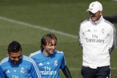 """Zidane: """"¿Altas y bajas? Yo soy el entrenador y algo tendré que decir"""""""