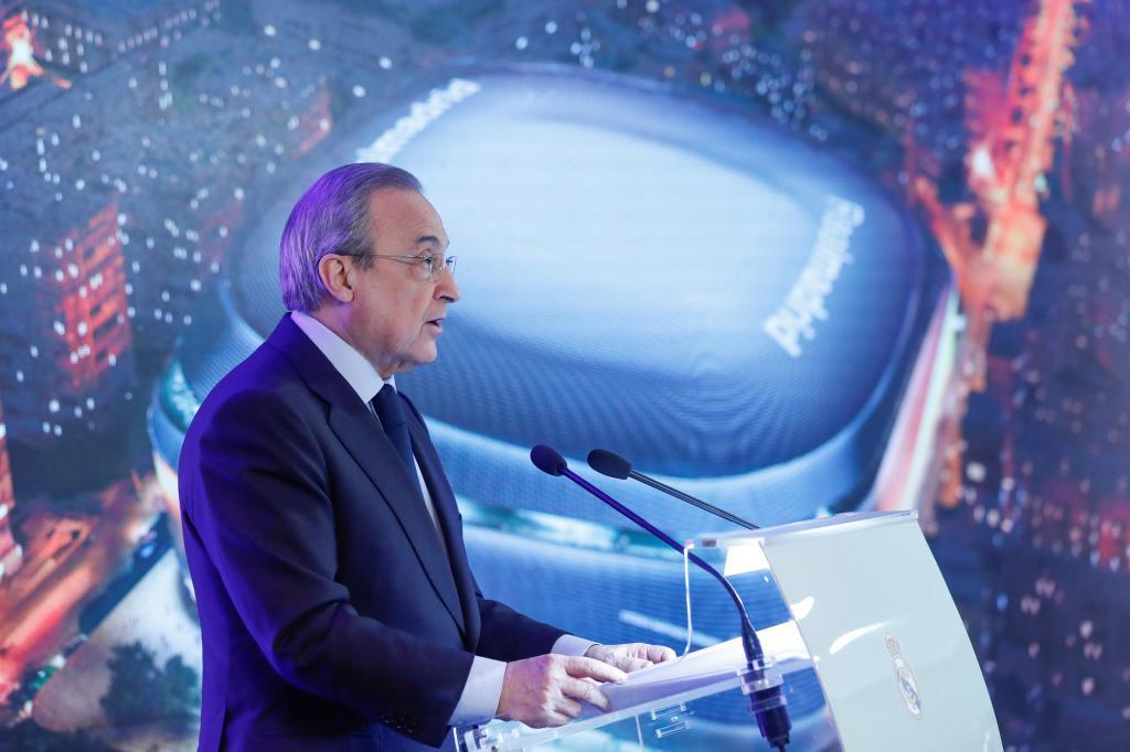 GRAF4128. MADRID.- El presidente del Real Madrid, Florentino Pérez, pronuncia su discurso durante la presentación de la reforma del estadio Santiago <HIT>Bernabéu</HIT>, este martes, en Madrid.