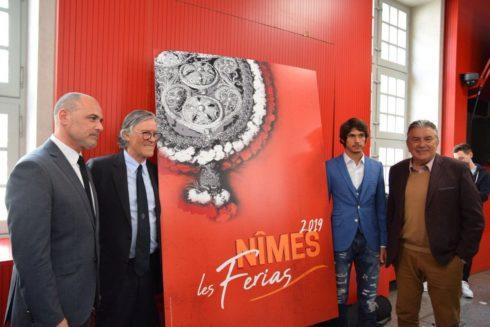 Simón Casas junto a Sebastian Castella; el alcalde de la ciudad, Jean Paul Fournier y el delegado de Asuntos Taurinos, Frederic Pastor.