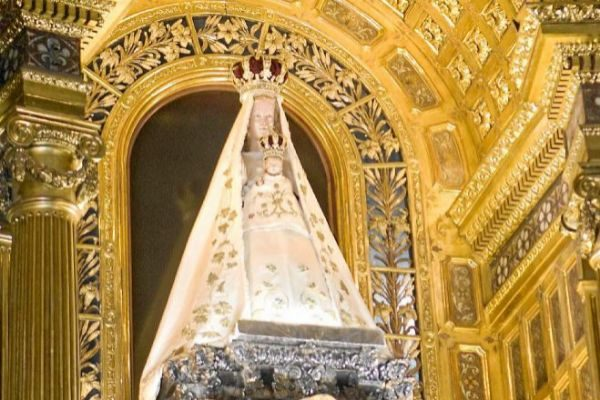 Imagen de la Virgen de Begoña de Bilbao.