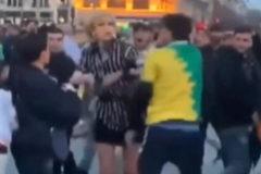 Brutal agresión a una transexual en el metro de París