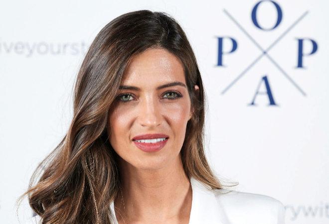 Sara Carbonero tiene el look con básicos perfecto (y barato)