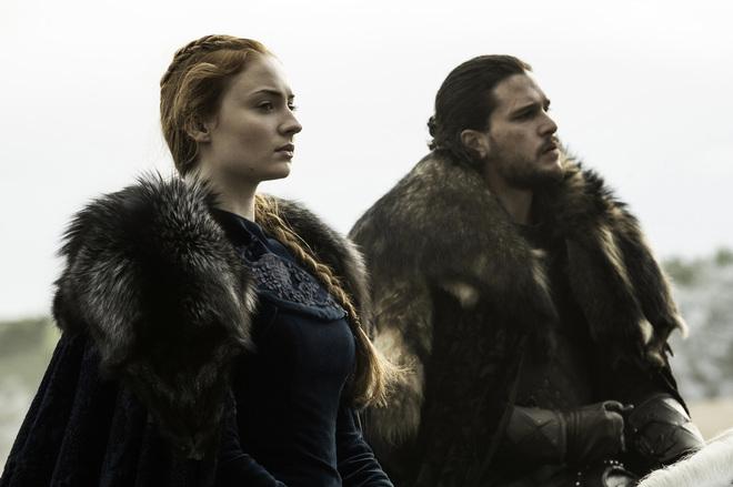 Sophie Turner (Sansa Stark) ha hablado de su diferencia de sueldo con Kit Harington (Jon Nieve) en Juego de Tronos en HBO