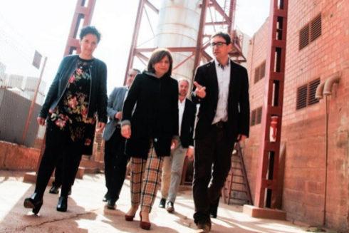 Isabel Bonig en Onda, este miércoles, de visita a una fábrica del sector cerámico.