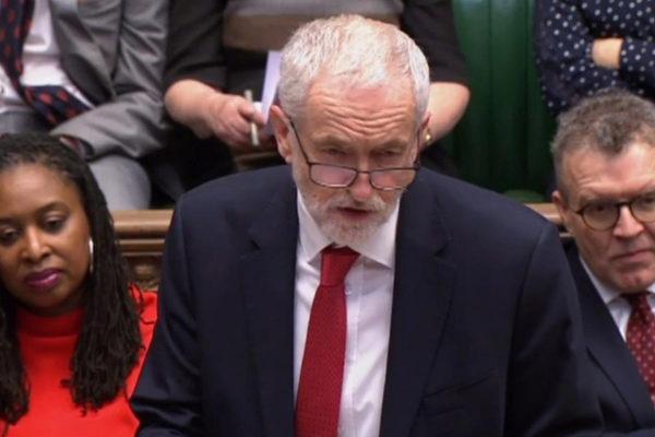 Captura de vídeo de una sesión en Westminster, durante la intervención de Jeremy Corbyn.
