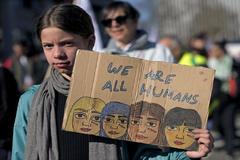 Los vecinos de un barrio de Roma se movilizan contra la llegada de un grupo de gitanos